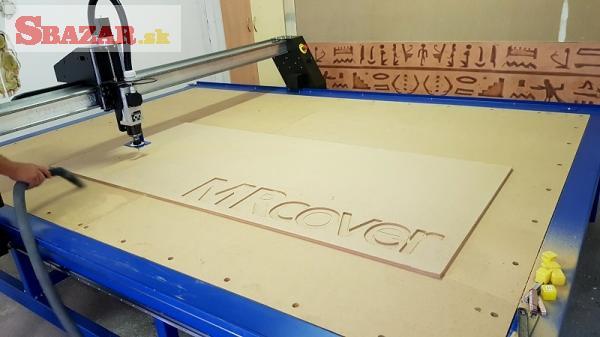 3D CNC Frezka s vákuovým držaním materiálu