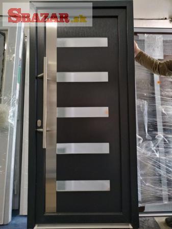 Plastové vchodové dvere TEXAS