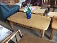 Krásný masívní stolek