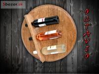 Nástěnný stojan na vína