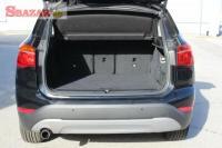 BMW X1 Plato kufra a rozkládací podlaha kufra.