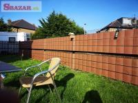 krycia páska na plotové panely hnedej farby