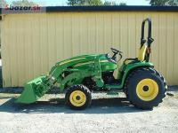 JOHN DEERE 3520  traktor
